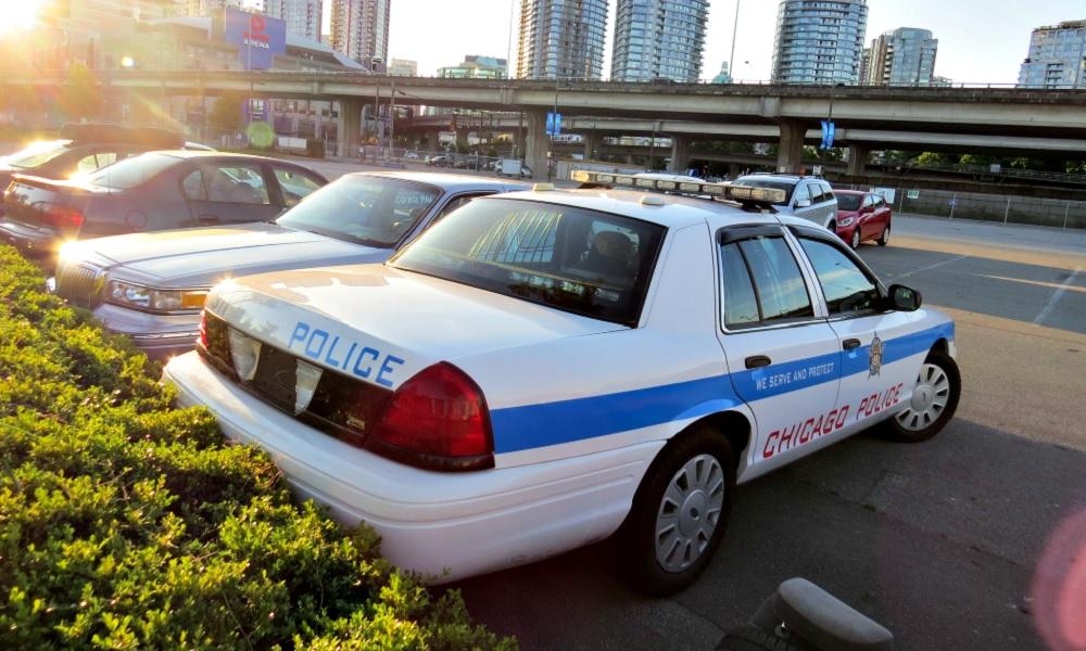 agresion-policia-a-una-menor-de-edad-en-chicago