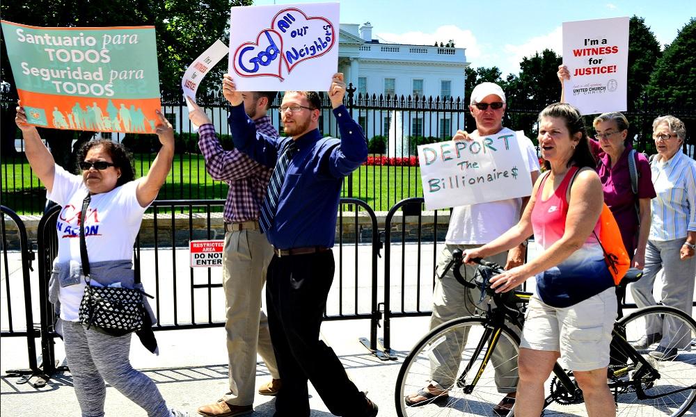 democratas-protestan-contra-politicas-migratorias-del-presidente-trump-.jpg