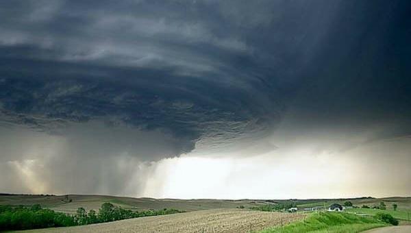ola-de-tornados-en-estados-unidos.jpg