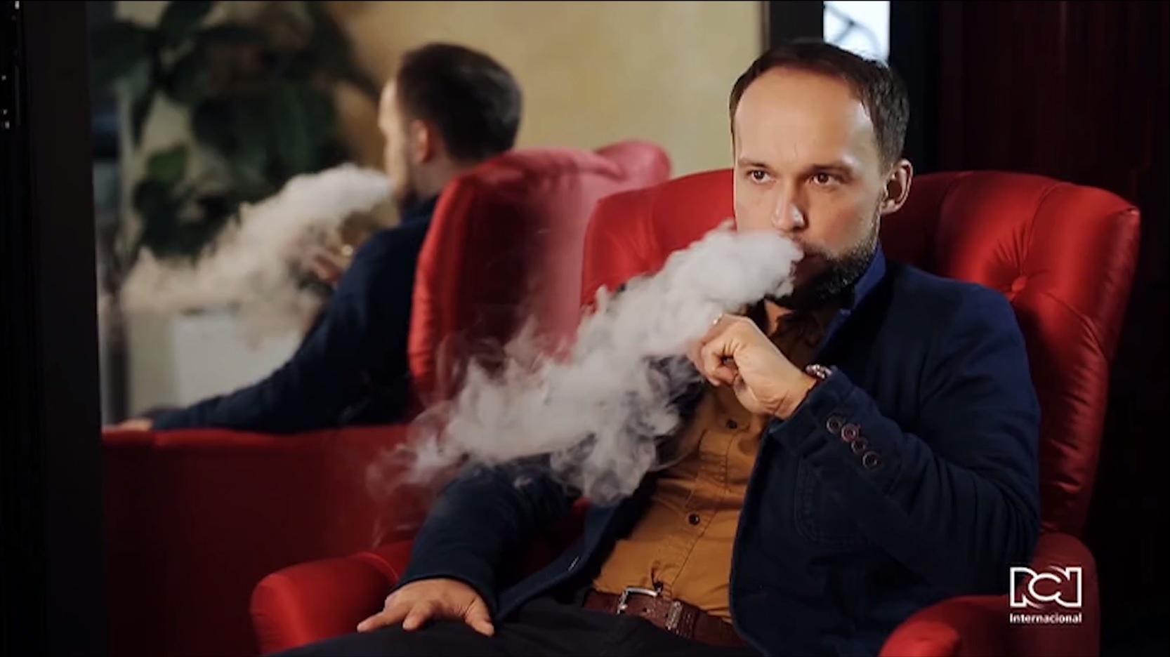 ¿Por qué hay controversia en los Estados Unidos con el uso de cigarrillos electrónicos?
