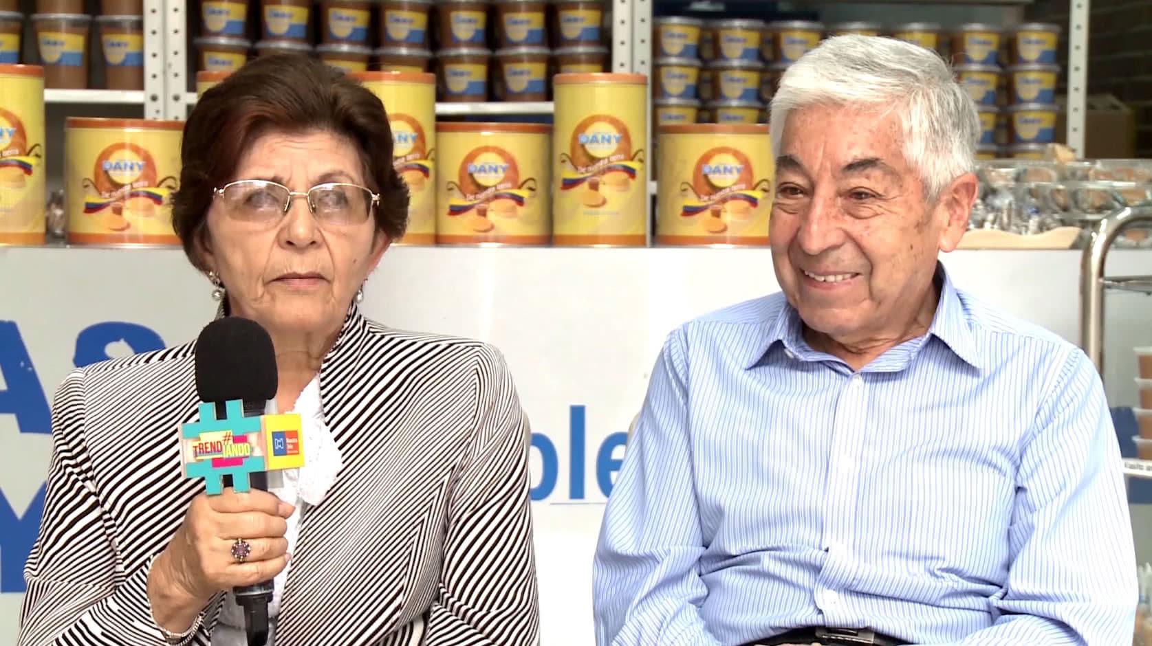Pareja cumple 45 años endulzando el paladar de los colombianos con las tradicionales obleas