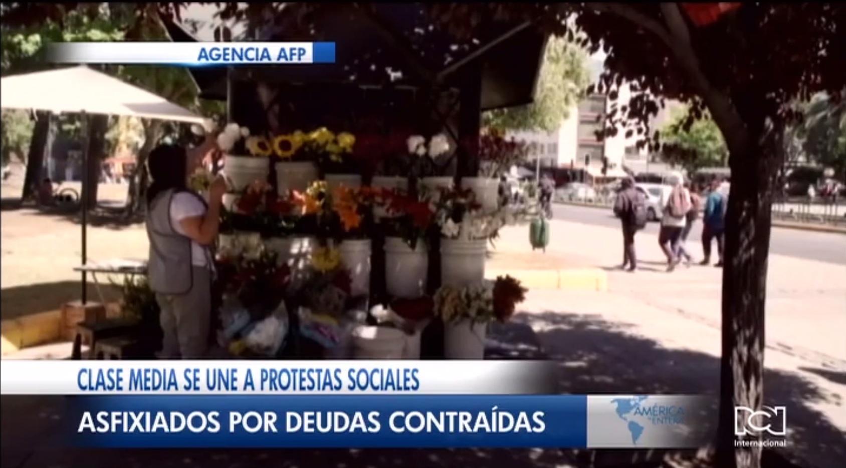 Familias chilenas de clase media se unen a las protestas sociales