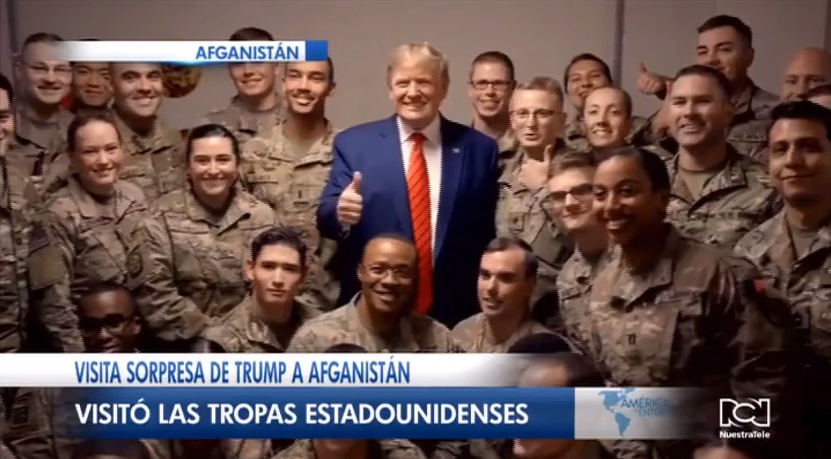 Donald Trump visitó una base militare estadounidense en el Día de Acción de Gracias