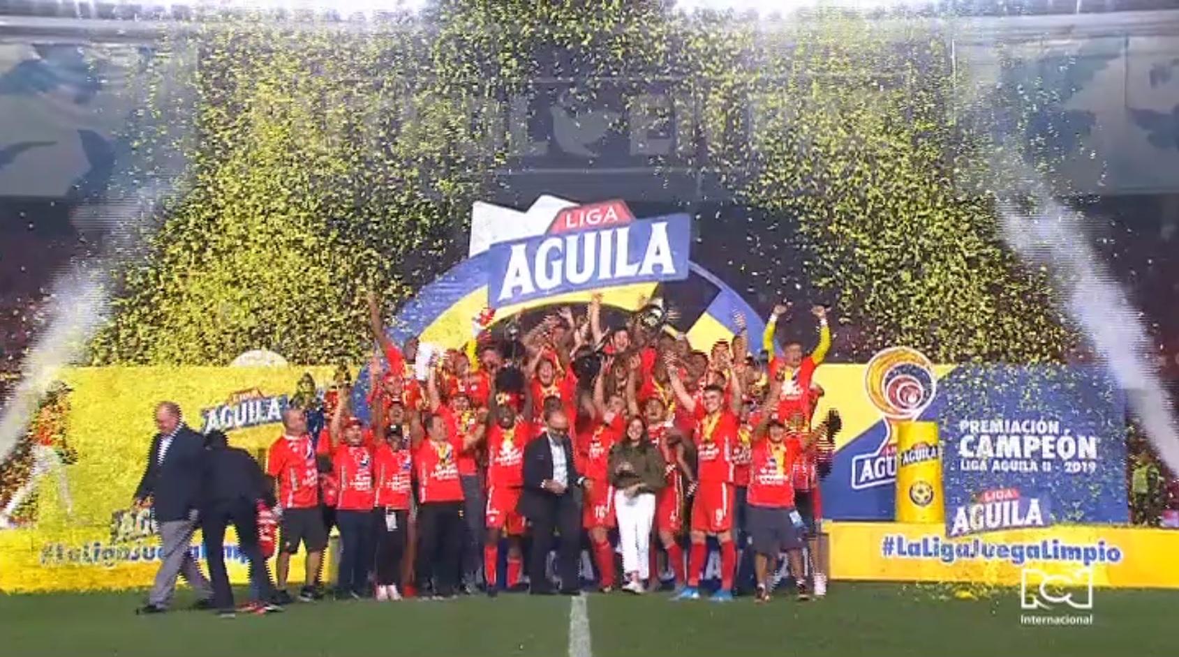 América de Cali se convirtió en el quinto equipo en ser campeón después de ascender
