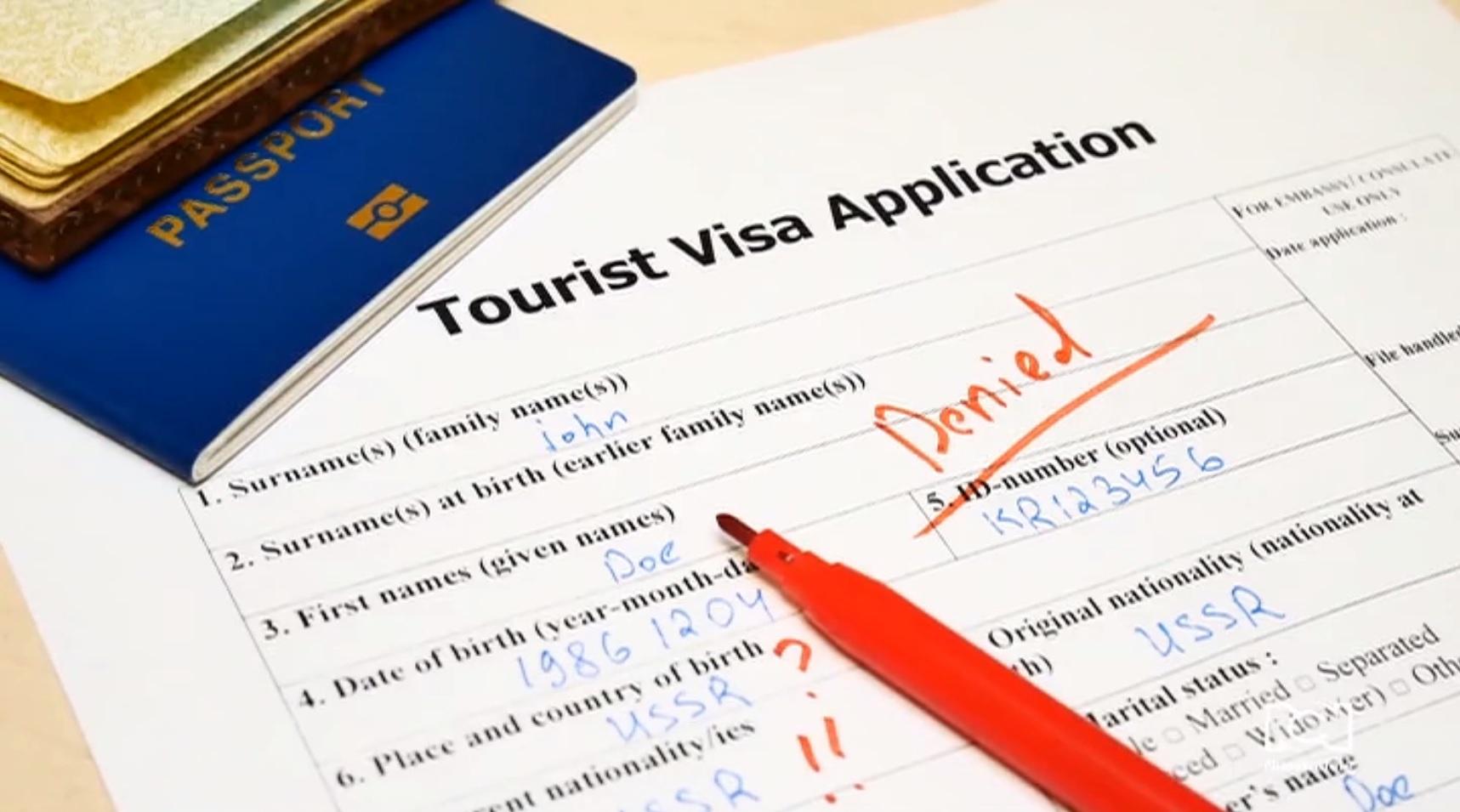 ¿Se puede obtener la visa americana con antecedentes por fraude?
