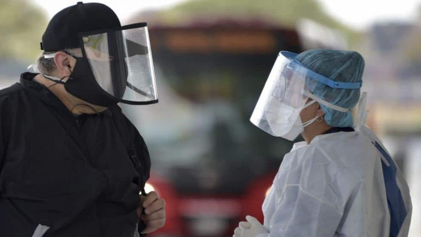 Cerca de 3.000 casos y más de 100 muertos por coronavirus este martes en Colombia