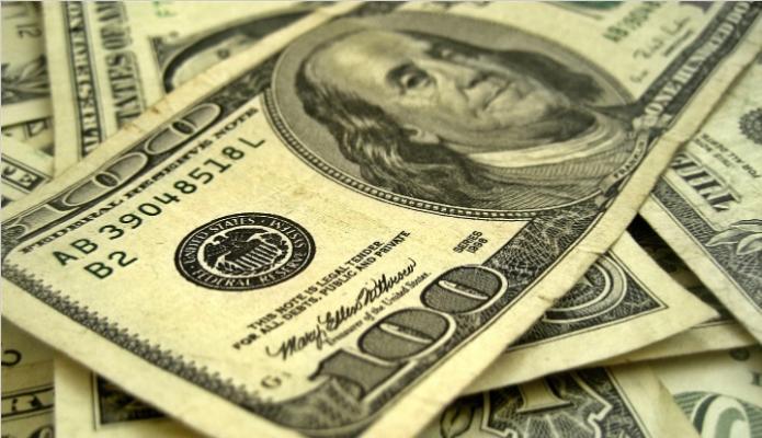 ¿Dónde se pueden cambiar bolívares a dólares y cuál es la tasa de cambio?