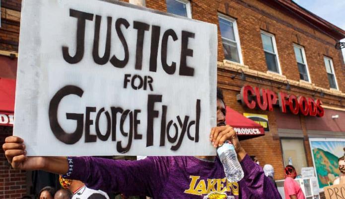 """George Floyd fue asesinado por """"compresión en el cuello"""", según autopsia"""