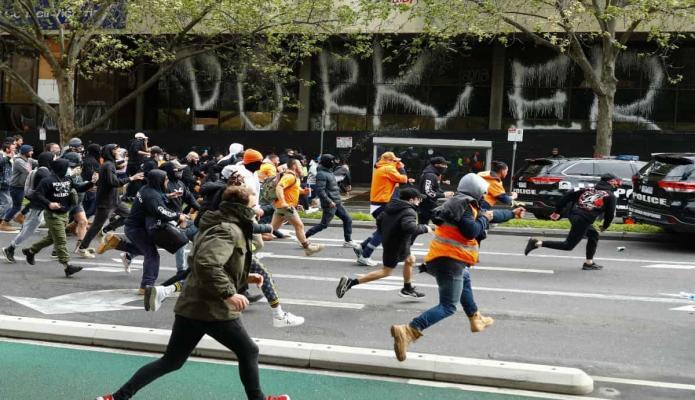 Melbourne, Australia registra violentas protestas durante pandemia