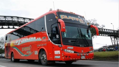 ¿Cuánto tiempo dura un viaje en bus desde Cúcuta hasta Ipiales y cuál es el precio de pasaje?