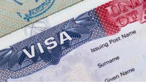 ¿Puede un inmigrante al que le cancelaron la visa tramitar una nueva visa?