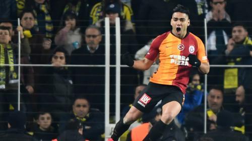 ¡El 'Tigre' no se detiene! Falcao y el Galatasaray jugarán sin público hasta abril por orden de la Federación de Turquía
