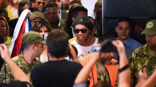 La desbordada fianza que tendría que pagar Ronaldinho para salir de la cárcel