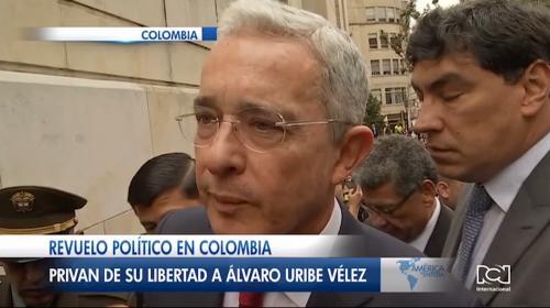 Revuelo político en Colombia luego de que la Corte Suprema ordenara el arresto domiciliario del expresidente Álvaro Uribe Vélez