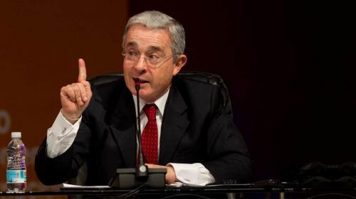 ¿Acusar o precluir? Los escenarios clave en el caso Uribe esta semana