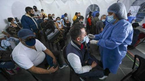 Mayores de 25 años podrán vacunarse contra el covid sin cita en Bogotá