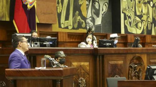 Asamblea Nacional de Ecuador destituyó a defensor del Pueblo tras escándalo de abuso sexual