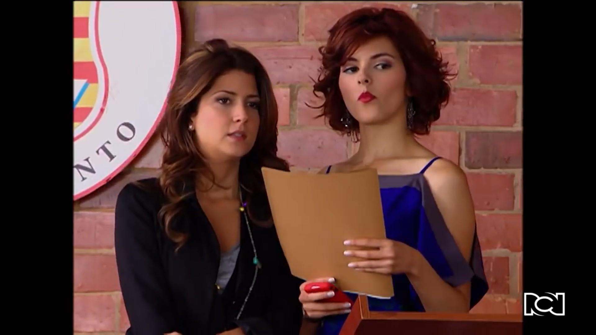 Silvia y Luisa convocan a una reunión de padres de familia