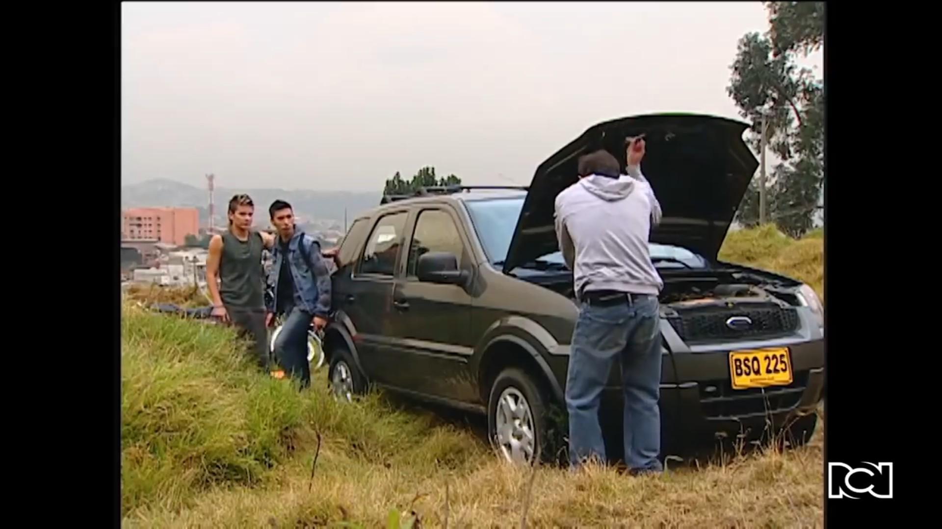 Vicente y Carlos se roban el carro de Silvia