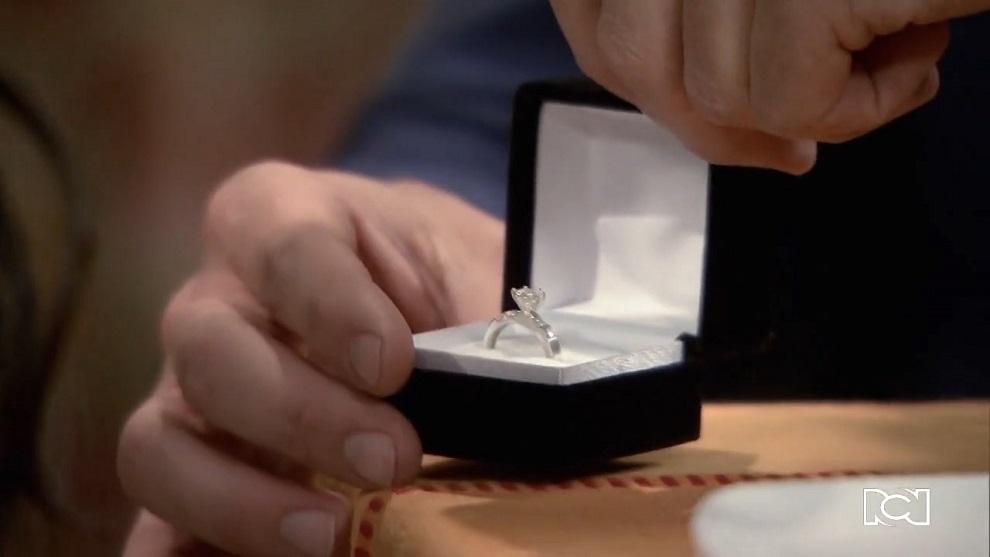 Allá te espero | Capítulo 96 | David le pide matrimonio a Rosa María