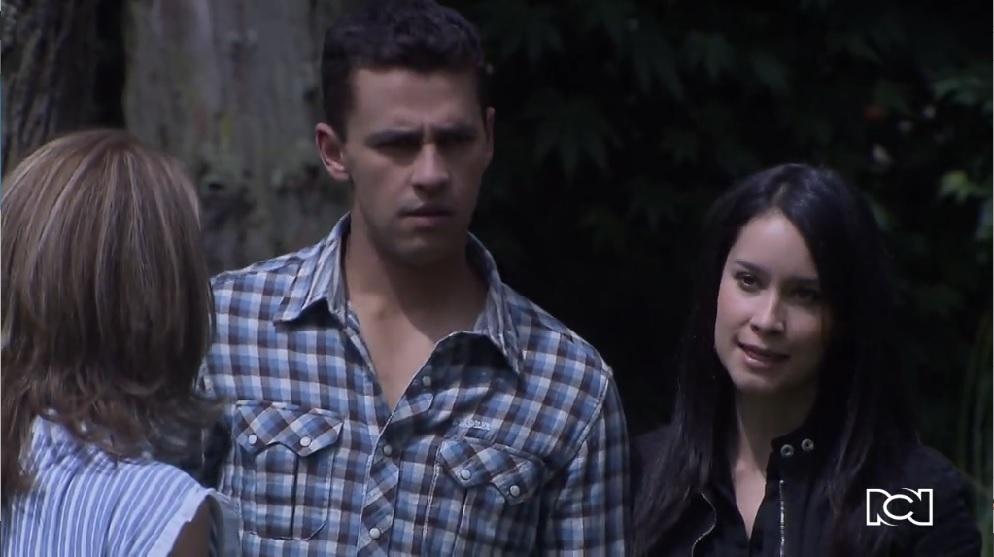 Amor en Custodia | Capítulo 127 | Camacho y Bárbara se encuentran en la hacienda