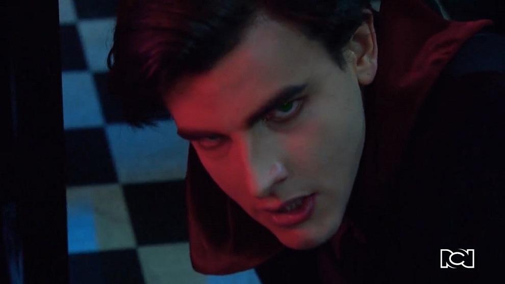 Chica Vampiro | Capítulo 45 | Daisy y el clip prohibido