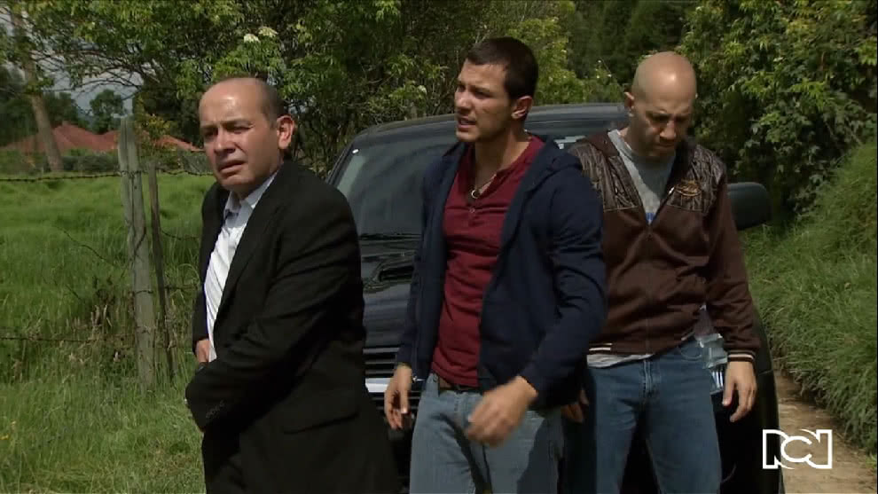 Contra Las Cuerdas | Capítulo 57 | La policía llega a la casa de Quijano