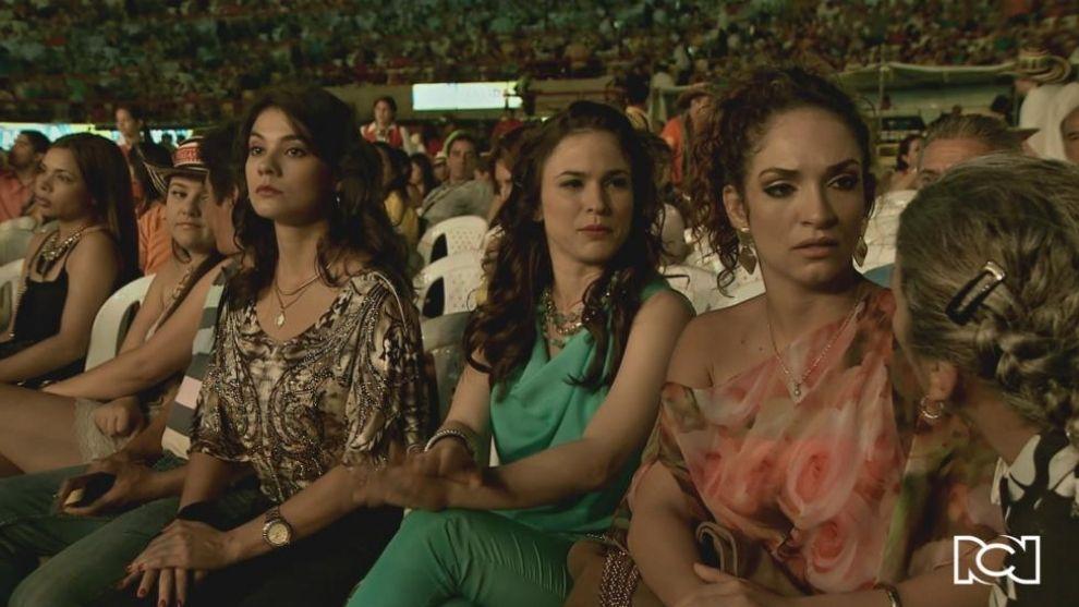 Consuelo, Betsy y Lucía discuten