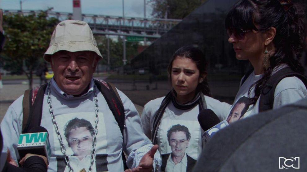 Salvador y Tatiana van en busca de sus familiares