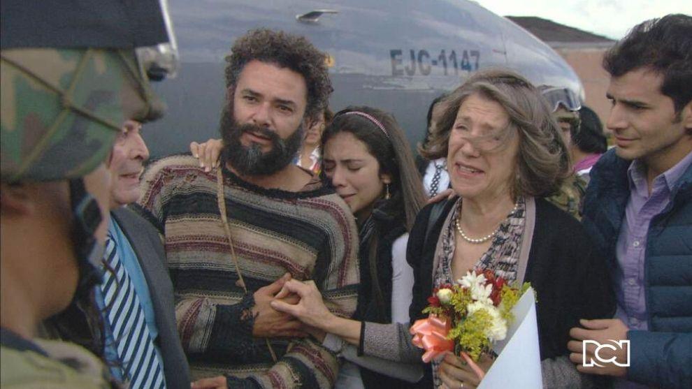 Los fugitivos se reencuentran con sus familias