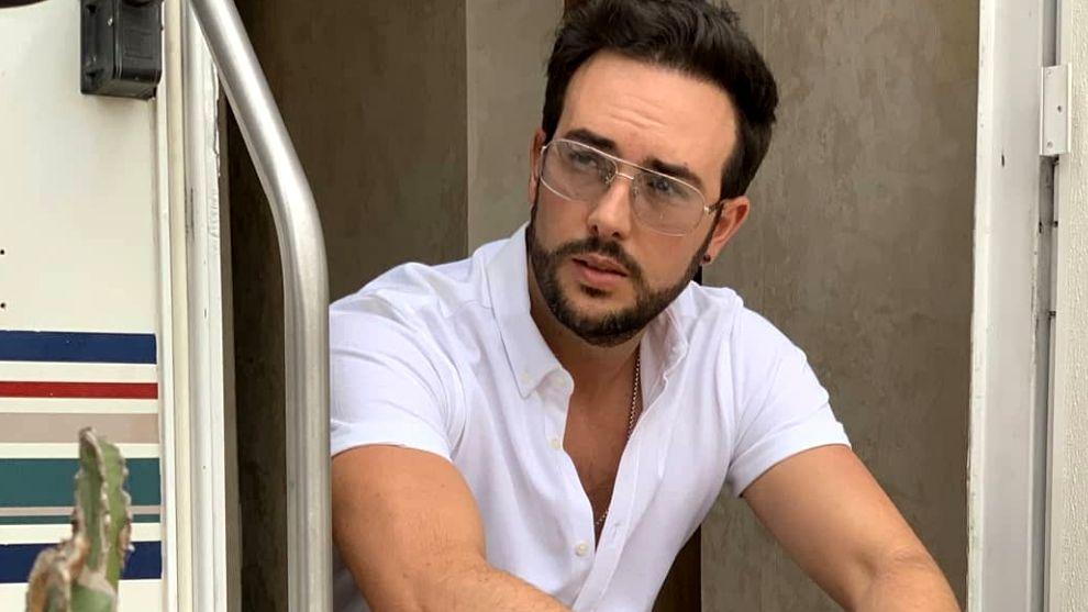Estas son las mejores fotos de Sebastián Martínez, actor de 'El Estilista'