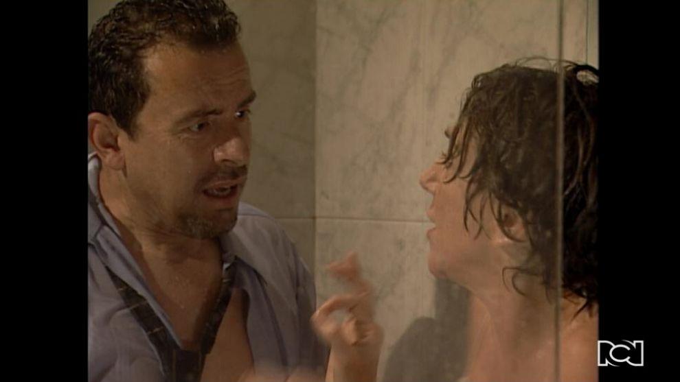 El Inútil | Capítulo 114 | Adelaida se deja seducir por Carroña