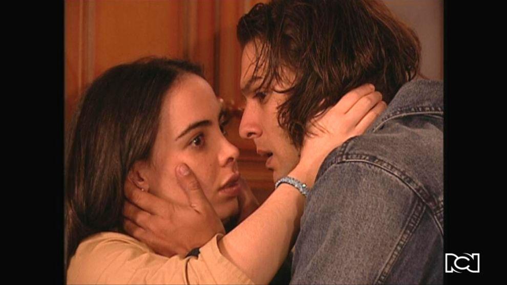 El Inútil | Capítulo 108 | Mirando descubre a Lucero y a Yerry besándose