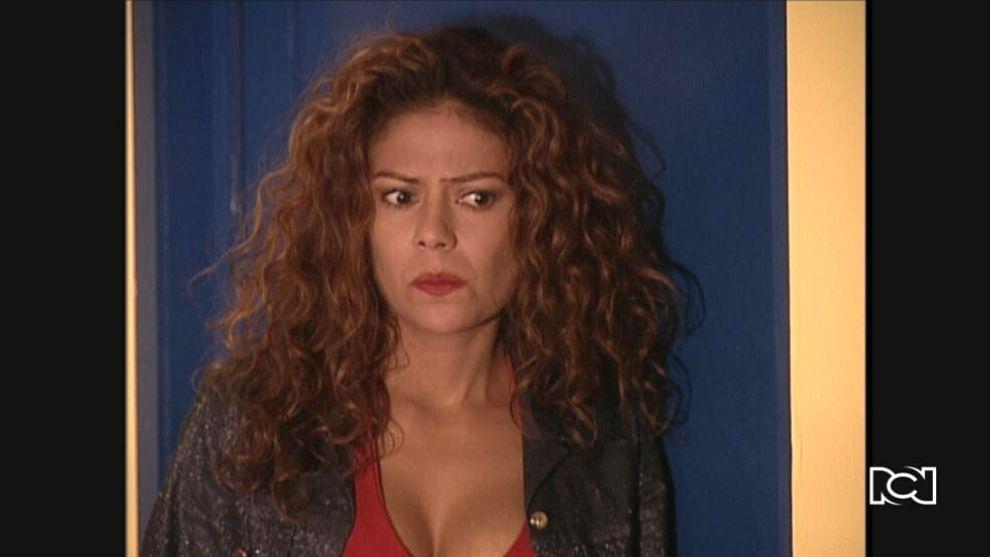 El Inútil | Capítulo 106 | Mónica Yulitza se entera del embarazo de Rubiela