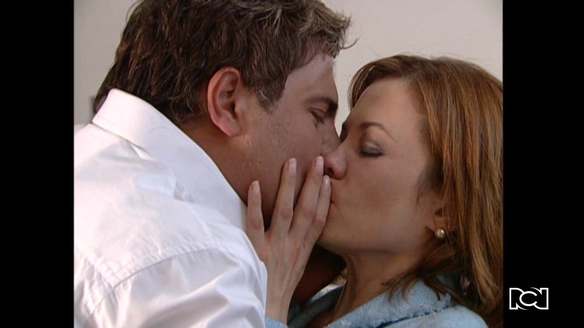 El último matrimonio feliz | Capítulo 59 | Andrés y Camila se besan