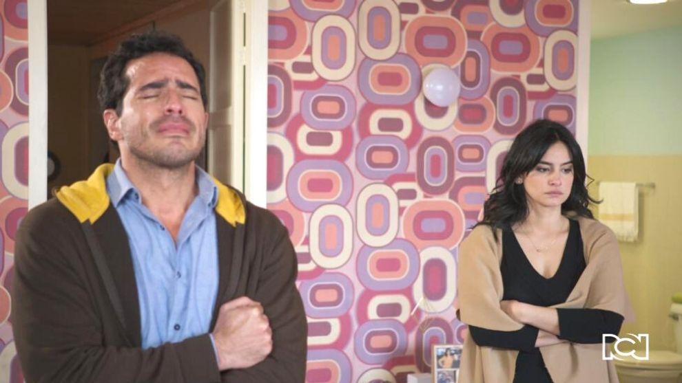 Román llega a donde María Clara