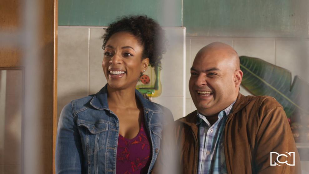 Sol Angie y Héctor reciben la visita de la trabajadora social