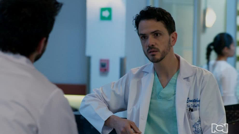 Ernesto confronta a Carlos