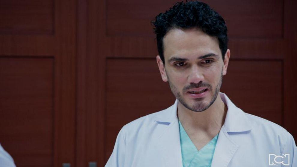 Ernesto llega al hospital