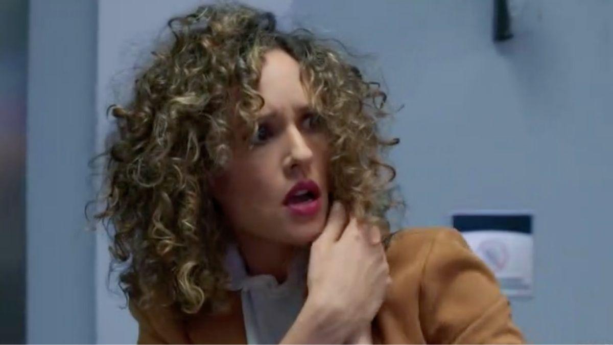 Evelyn ataca a Victoria