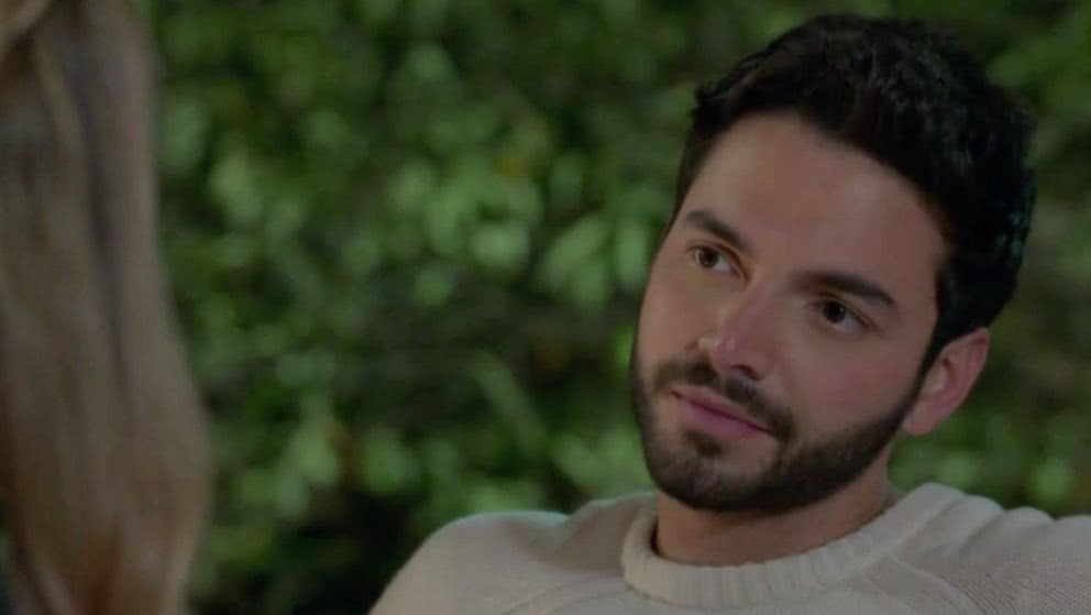 Andrea y Carlos no pueden ocultar sus sentimientos