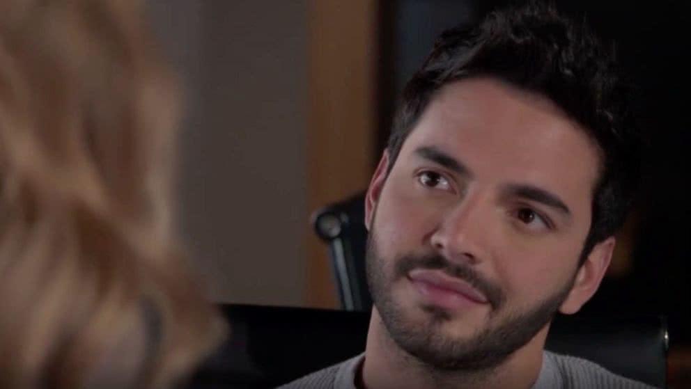 Carlos le aclara sus sentimientos a Andrea