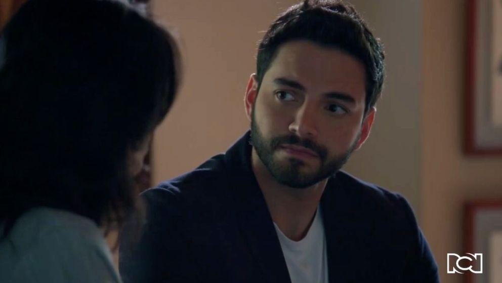 La inesperada confesión que María Clara le hace a Carlos
