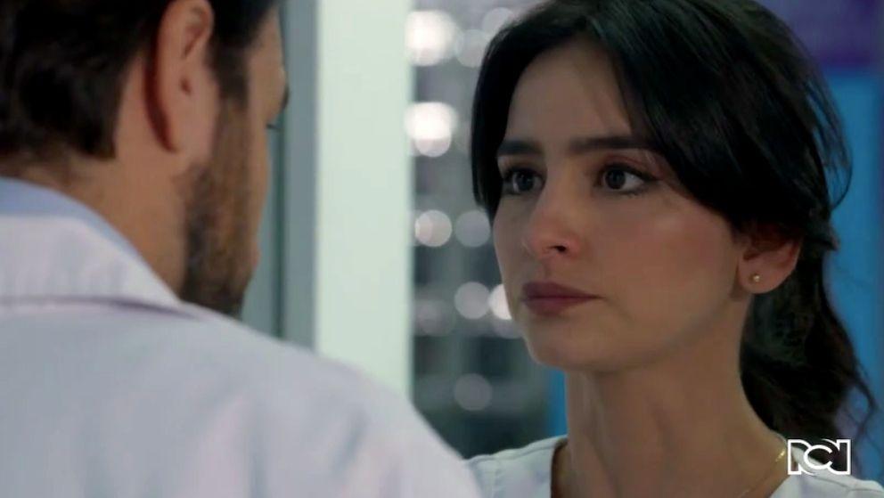 María Clara acepta una propuesta de Garnica que le cambiará la vida