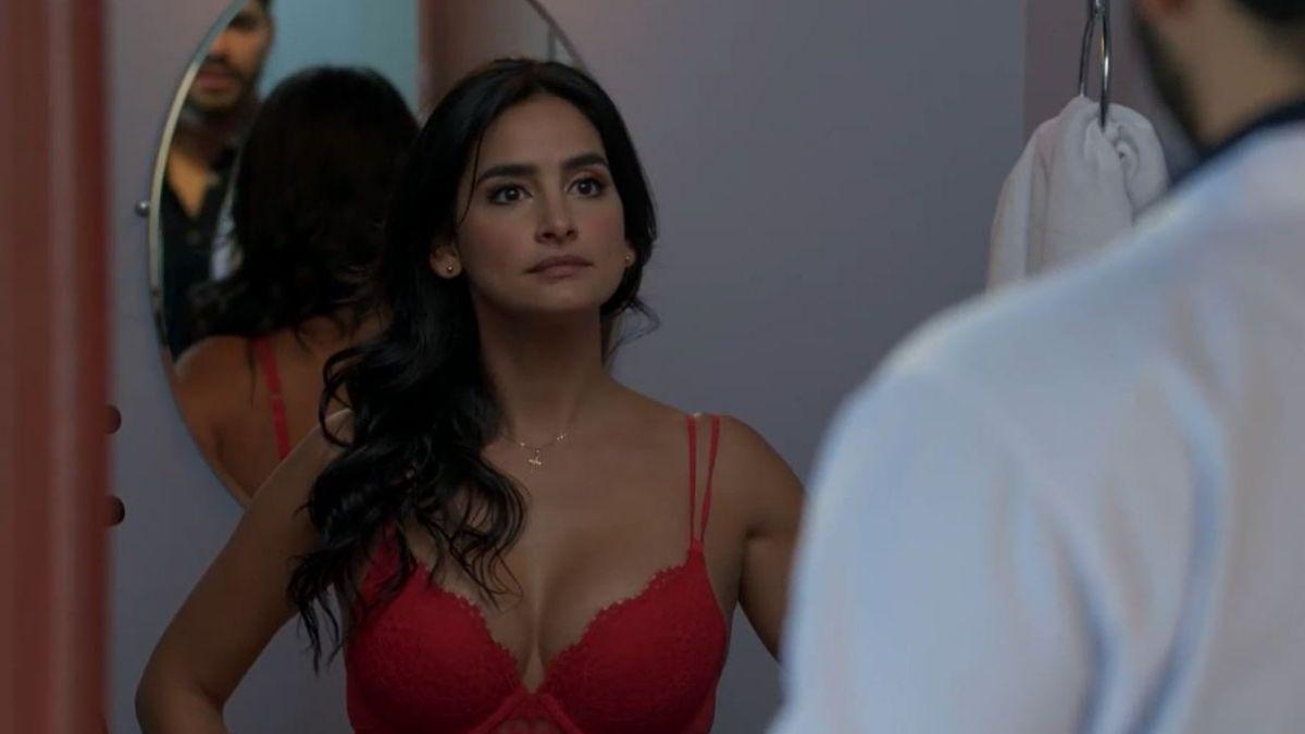María Clara deja de una sola pieza a Carlos