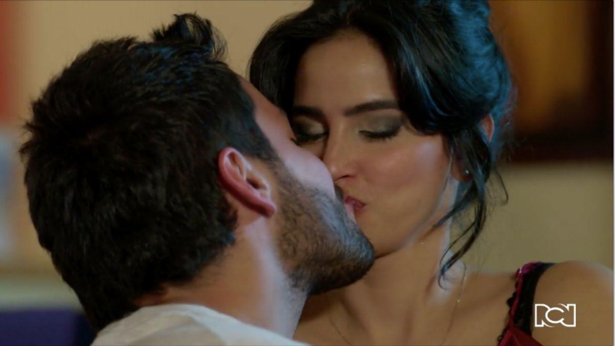 María Clara y Carlos están dispuestos a luchar por su amor