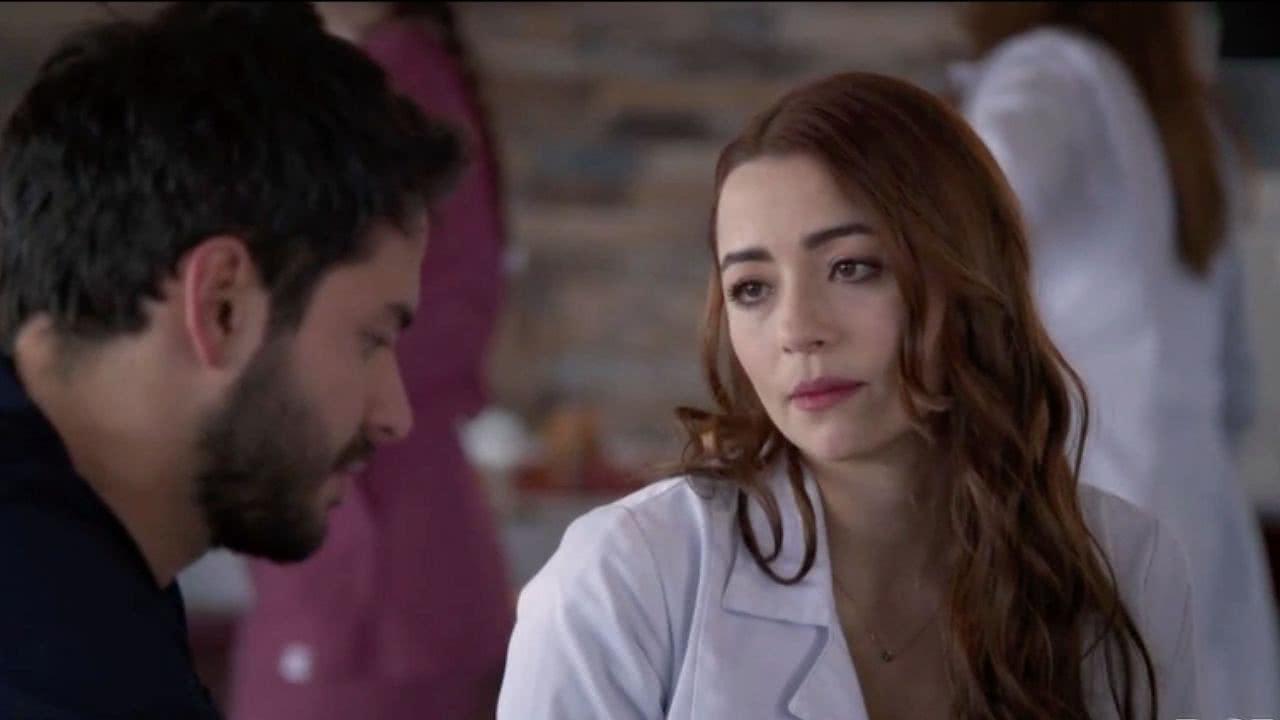 Helena le confiesa la verdad de sus sentimientos a Carlos