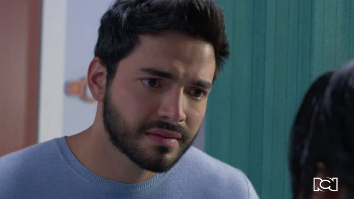 María Clara toma la decisión de terminar su relación con Carlos