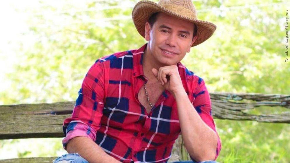 Jhonny Rivera, artista colombiano de música popular.