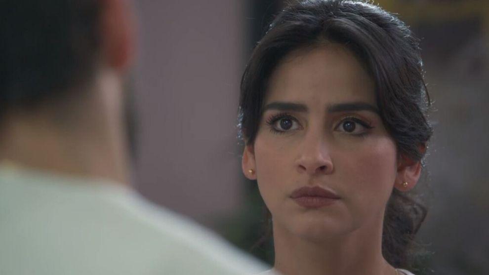 Carlos le confesó sus sentimientos a María Clara.